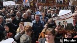 Armenia - Supporters of the Tsarukian Bloc attend a campaign rally in Ashtarak, 13Mar2017.