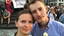 Ukrajinska aktivistkinja Ljudmila Kozlovska i poljski aktivist Bartoš Kramek na jednom od protesta u Varšavi