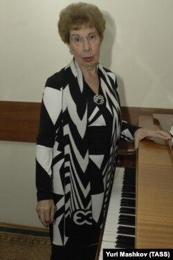 Пианистка Вера Горностаева