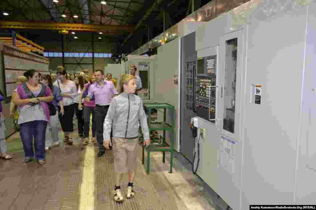 На екскурсії на Луганському заводі трубопровідної арматури