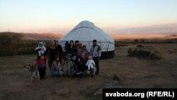 Побач з звычайнымі героямі кіргіскай рэвалюцыі