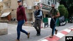 Израиль -- Тель-Авив көчөсүндөгү полиция кайгуулу, 1-январь, 2016