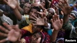 Пакистанци погодени од поплавите