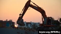 Строительство апартаментов на Солдатском пляже