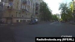 Авто супроводу Грановського біля АП