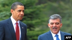 Turkey's President Abdullah Gul (right) meets with his U.S. counterpart Barack Obama in Ankara.