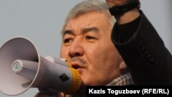 «Азат» ЖСДП бас хатшысы Әміржан Қосанов. Алматы, 28 қаңтар 2012 жыл.