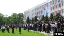 Акция протеста в Оше. 13 мая 2010 года.