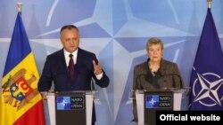 Igor Dodon cu Rose Gottemoeller, secretarul-general adjunct al NATO