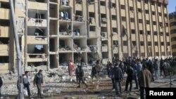 Жарылыстардан қираған университет ғимараты. Алеппо, Сирия, 15 қаңтар 2013 жыл.