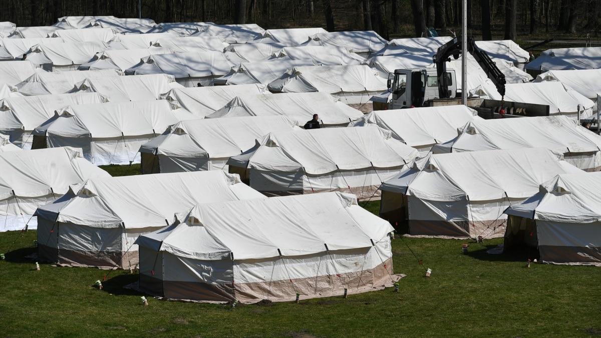 Сербия привлекла армию для контроля трех лагерей для мигрантов
