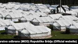 Як пояснив президент Александар Вучич, цей крок пов'язаний із тим, щоб захистити місцеве населення від грабежів, вчинених мігрантами