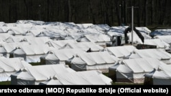 Tabără de migranți la Sid, Serbia