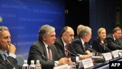 Бельгія - спільна прес-конференція по закінченні першої зустрічі міністрів країн-учасниць ініціативи «Східного партнерства» із представниками Євросоюзу, Брюсель, 8 грудня 2009 року