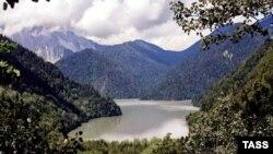 Создание трансграничного резервата должно содействовать наведению порядка и сохранению чистоты природы действительно уникального Рицинского заповедника