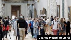 په فرانسه کې په کرونا ویروس د اخته شویو کسانو شمېر تر ۶ لکه ۶۰ زره واوښت.