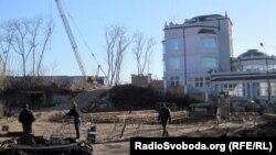 Ці будівельні роботи на ділянці Порошенка зупиняла прокуратура, 2012 році