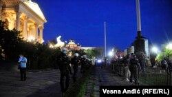 Полициски кордон пред Собранието на Србија, Белград, 11.05.2020.