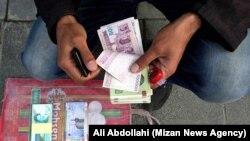 پیشنهاد برداشتن صفر از پول ملی ایران پیشنهاد جدیدی نیست و در سه دهه گذشته همواره از آن سخن رفته است.