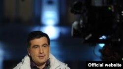Как описать стиль президента Саакашвили