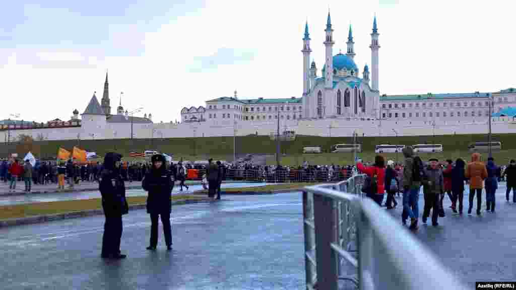 Казан үзәгендә халыклар бердәмлеге митингы