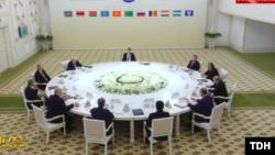 GDA gatnaşyjy döwletleriň döwlet baştutanlarynyň sammitini türkmen prezidenti Gurbanguly Berdimuhamedow açdy.