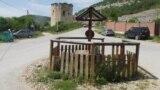 Громадський колодязь на площі в селі Чорноріччя
