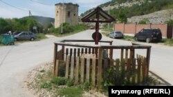 Общественный колодец на площади в селе Черноречье