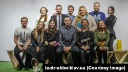 Колектив театру«Актор» і Олег Сенцов