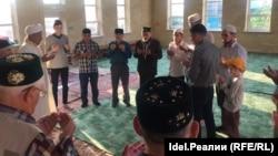 Мусульмане Сызрани на праздничном намазе в Ураза байрам