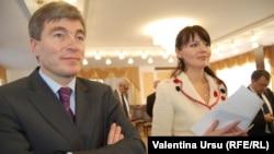 Vicepremierul Eugen Carpov și șefa diplomației transnistrene, Nina Ștanski
