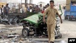 آثار إنفجار في سوق عراقية