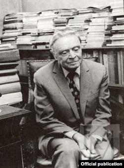Илья Зильберштейн