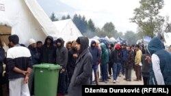 Migranti u kampu Vučjak u blizini Bihaća