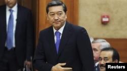 Қазақстан президенті Нұрсұлтан Назарбаевтың парламент сессиясында Серік Ахметовті премьерлікке ұсынған сәті. Астана, 24 қыркүйек 2014 жыл.