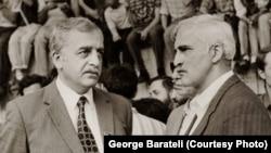 Zviad Qamsaxurdia (solda) və Merab Kostava, 1980-ci illərin sonunda milli hərəkatın liderləri