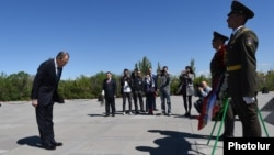 Armenia - Russian Foreign Minister Sergey Lavrov visits the Armenian Genocide Memorial in Yerevan, 22 April, 2016