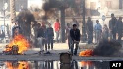 Demonstranti u gradu Suecu, 27. januar 2011