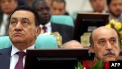 Президент Египта Хосни Мубарак (слева) и новый вице-президент Омар Сулейман – бывший глава политической разведки