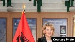 Ministrja e mbrojtjes e Shqipërisë, Mimi Kodheli