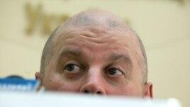 Михайло Бродський під час прес-конференції. Київ, 25 березня 2010 року.