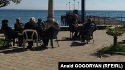 Общественность в Абхазии активно обсуждало как ракетную атаку по сирийским объектам, так и заявления в ответ на них в республике