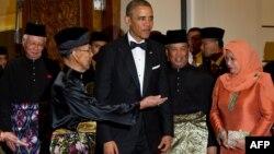 Король Малайзії Абдул Халім Муадзам Шах і президент США Барак Обама