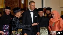 Барак Обама в Куала-Лумпуре на ужине с участием малайзийского монарха