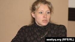 Әлеуметтанушы Олеся Халабузарь. Алматы, 16 наурыз 2011 жыл.