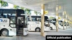 """Uzautotrans service"" автобуслари."