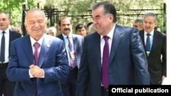 Президент Узбекистана Ислам Каримов очень очень радостно встретил своего таджикского коллегу Эмомали Рахмона. Ташкент, 23 июня 2016 года.