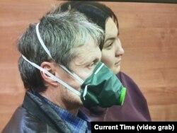 Пришедшие на судебный процесс по иску Ильяшева к акимату. Алматы, 24 декабря 2018 года.