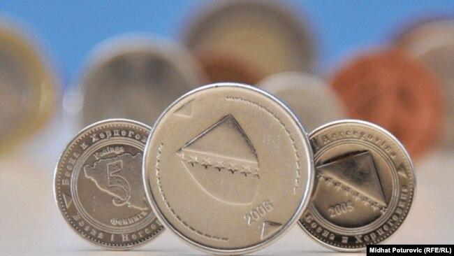Zjajić: Za promjenu državljanstva plaća se relativno visoka taksa (na fotografiji: kovanice konvertibilne marke KM)