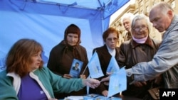 Сторонники премьера основательно подготовились к ожидаемой победе Партии регионов